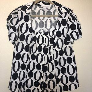 Dressbarn Women 2x Black and White Button Down Top